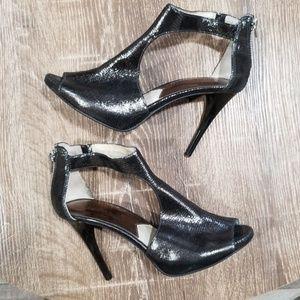 Michael Kors pewter leather peep toe heels size 6